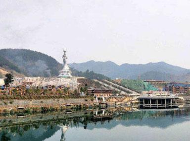 贵州耗资近亿元建女神雕像引争议
