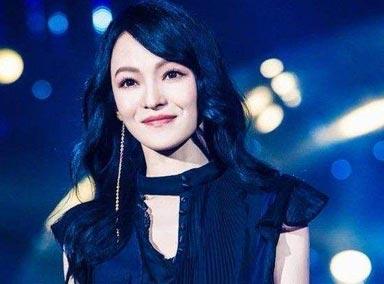张韶涵这首《漫步云端》,一开口惊艳四座