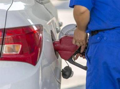"""国内油价迎年内首次""""两连涨"""""""