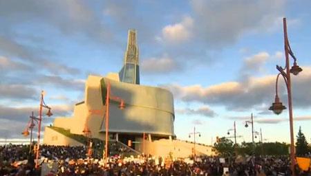 加拿大人权博物馆被爆出