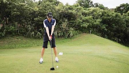 罗志祥打高尔夫晒照罕见感慨