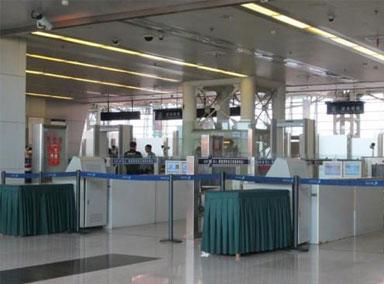 重庆机场开设男性专用安检通道