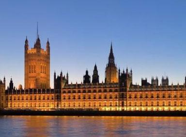 英国卫生大臣:国家已至疫情临界点