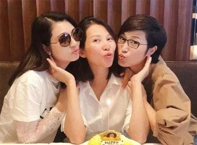 陈法蓉洪欣为蔡少芬庆生 闺蜜聚会开心又养眼