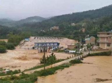 云南文山:强降雨致城区民房被淹
